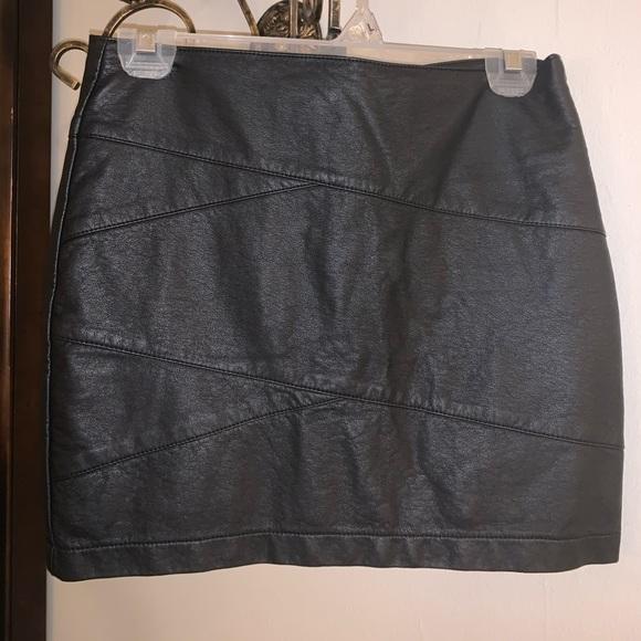 Forever 21 Dresses & Skirts - Mini skirt